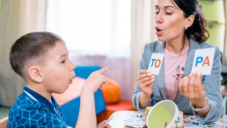 ¿Cómo enseñar a escribir a un niño de 6 años? Las claves perfectas para un aprendizaje rápido